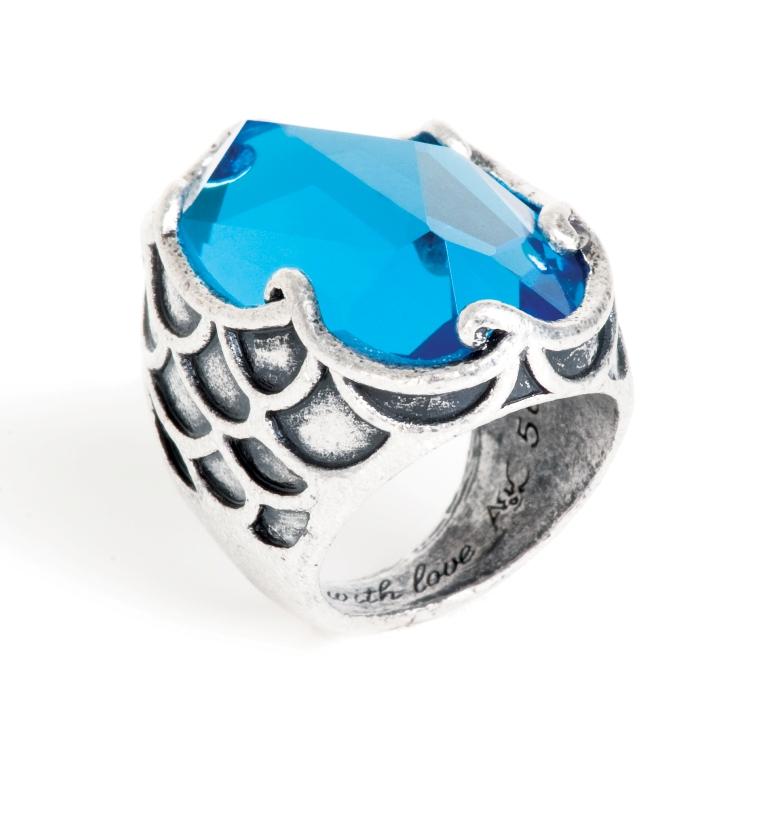 Кольцо покрытое серебром(4032-0348)Акватика<br>Кольцо   изготовлено  из специального сплава покрытого состаренным серебром 925 пробы.   Длина  камня 3 см.<br>Размер 18<br>