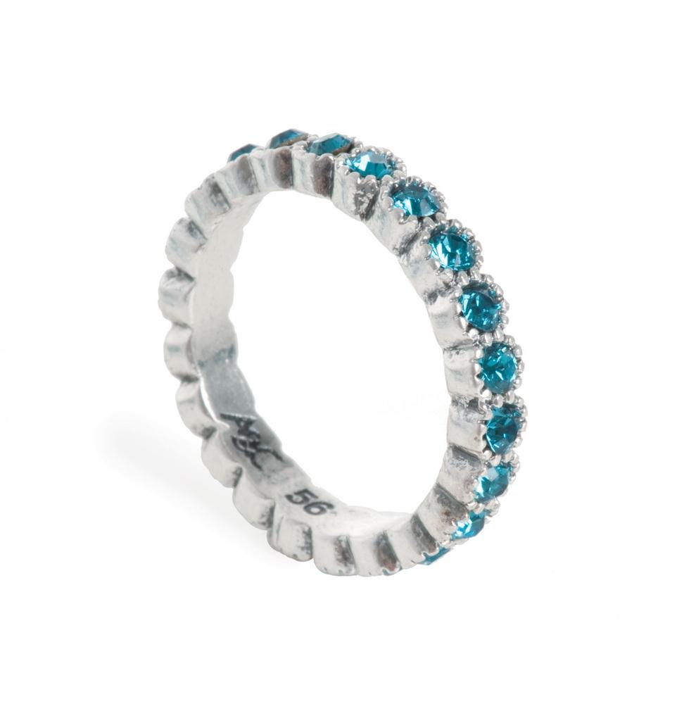 Кольцо голубое  со стразами Swarovski(4032-0432)Базовые цвета<br>Arts&amp;Crafts, Норвегия<br>Кольцо из ювелирного сплава покрытого серебром 925 пробы. Декорировано стразами Swarovski. ширина 0,2 мм. Размер 19<br>