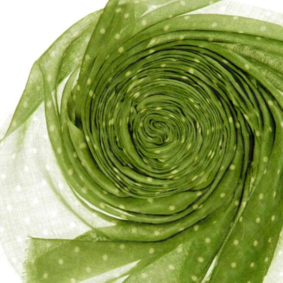 Кашемировый палантин 200Х70см. зелёный(WG-166)Bino Tiani, Италия<br>Палантин из шерсти особого плетения woolgauze,  (дословно с англ. яз. woolgauze - шерстяная марля)<br> <br>Необычайно нежный,  приятный на ощупь, комфортный при носке. Ткань очень лёгкая, обладает уникальной способностью сохранять тепло и при этом  наделена антиаллергенными свойствами.  Этот аксессуар способен стать излюбленным на долгие годы, ведь горох всегда был и будет в моде!       100% шерсть<br>