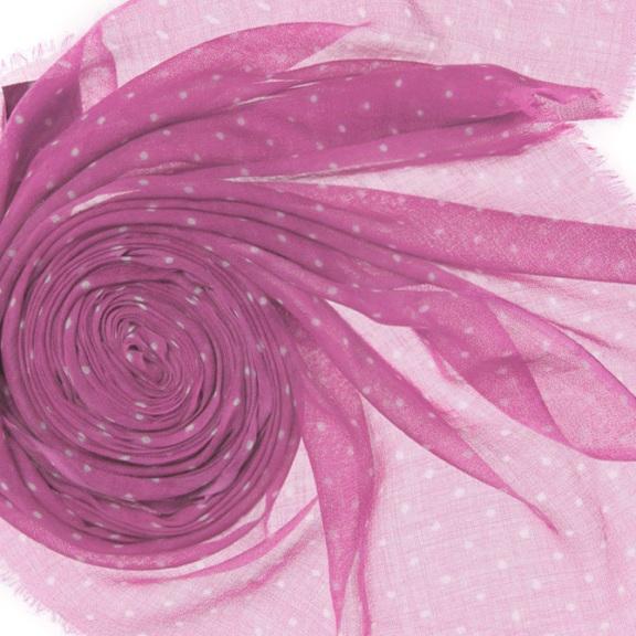 Кашемировый палантин 200Х70см. розовый(WG-217)Bino Tiani, Италия<br>Палантин из шерсти особого плетения woolgauze,  (дословно с англ. яз. woolgauze - шерстяная марля)<br> <br>Необычайно нежный,  приятный на ощупь, комфортный при носке. Ткань очень лёгкая, обладает уникальной способностью сохранять тепло и при этом  наделена антиаллергенными свойствами.  Этот аксессуар способен стать излюбленным на долгие годы, ведь горох всегда был и будет в моде!       100% шерсть<br>