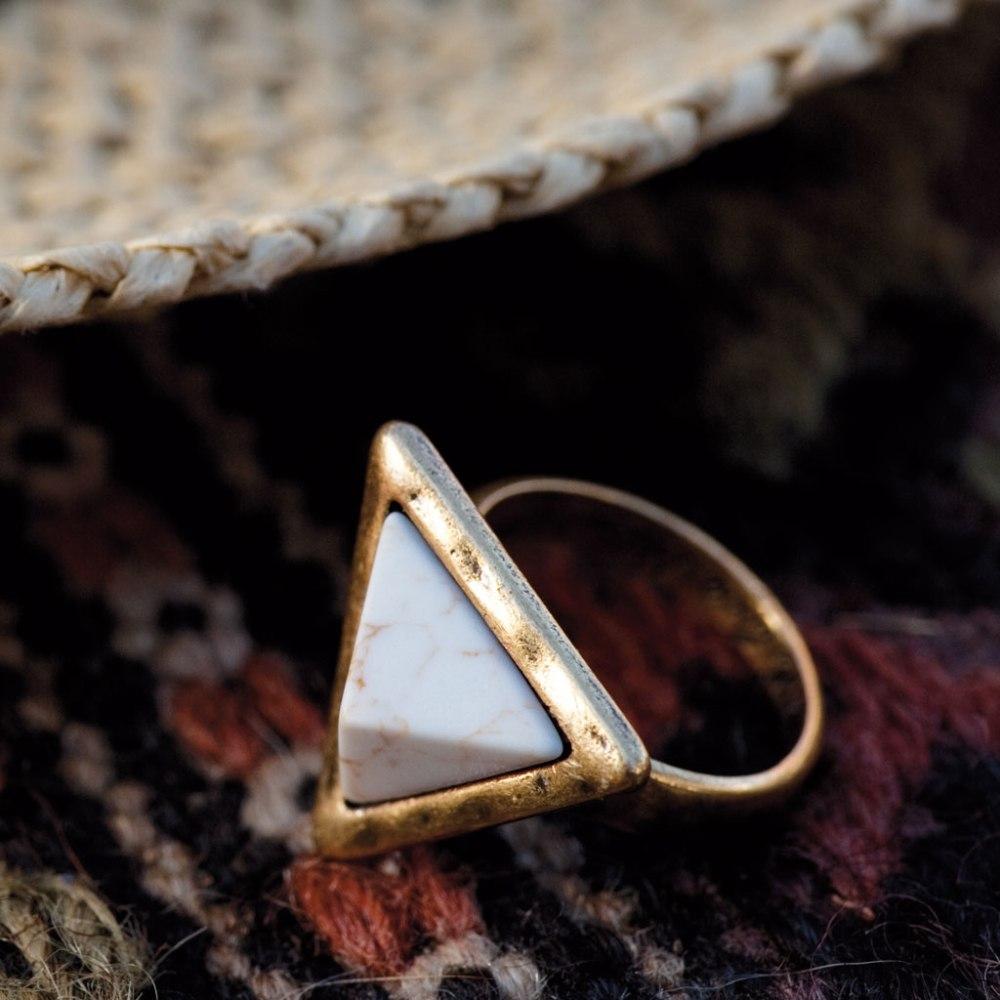 Кольцо с хаулитом(4032-0471)