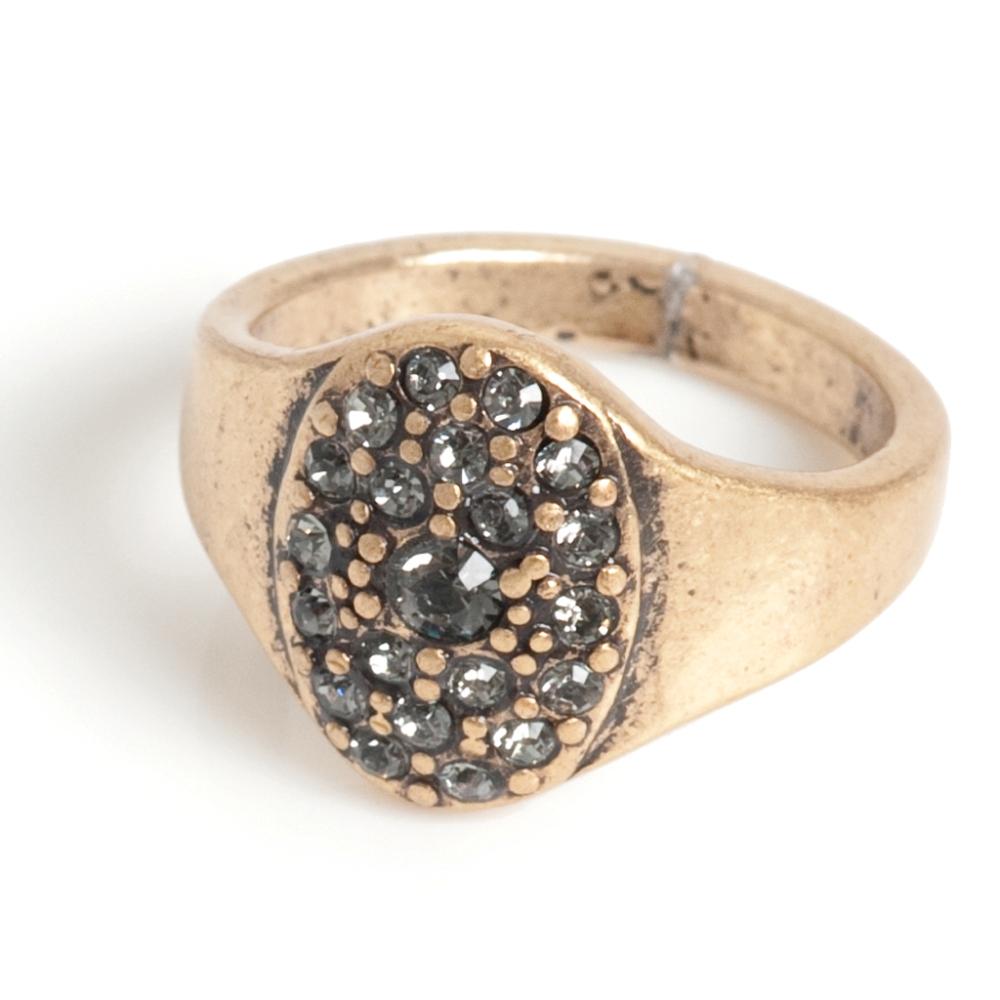 Кольцо(4032-0504)Элегантность<br>Arts&amp;Crafts, Норвегия<br><br>Авторский дизайн, ручная работа, ограниченный выпуск.<br><br>Кольцо выполнено из гипоаллергенного сплава, покрыто золотом. В качестве декора использованы стразы Swarovski.<br>размер 15,  15,5 и 16,5.<br>