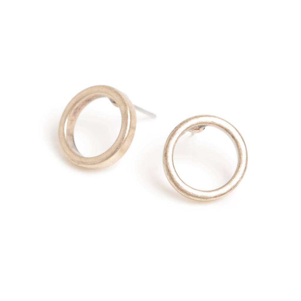 Серьги с золотым покрытием(1018-0459)Clean Circle<br>Arts&amp;Crafts, Норвегия<br>Авторский дизайн, ручная работа, ограниченный выпуск.<br><br>Серьги выполнено из гипоаллергенного сплава, покрыты толстым слоем золота.<br>