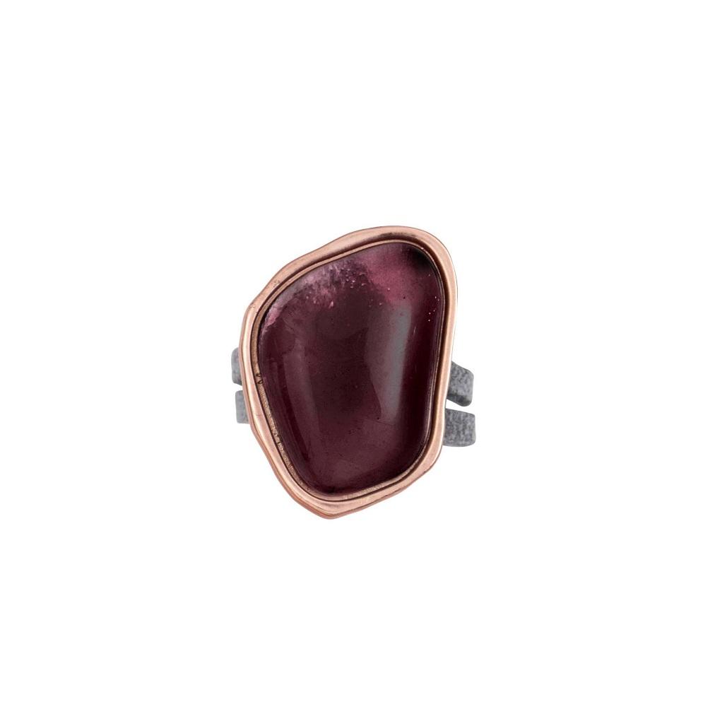 Кольцо( 1C407)Бижутерия с искусственным обсидианом<br>Дания, Dansk Smykkekunst<br><br>Размер декоративного элемента 2,5х1,5см.<br>Размер кольца 19<br>
