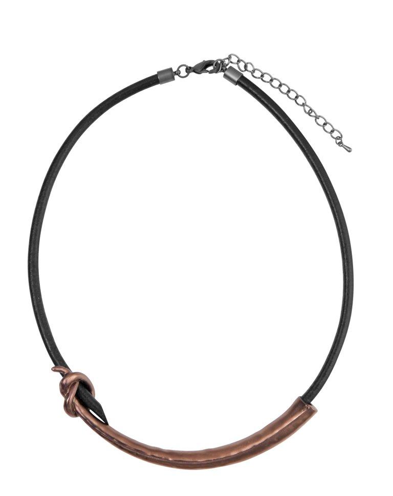 Колье на кожаном шнурке(9C950)Petra<br>Колье на кожаном шнурке<br>