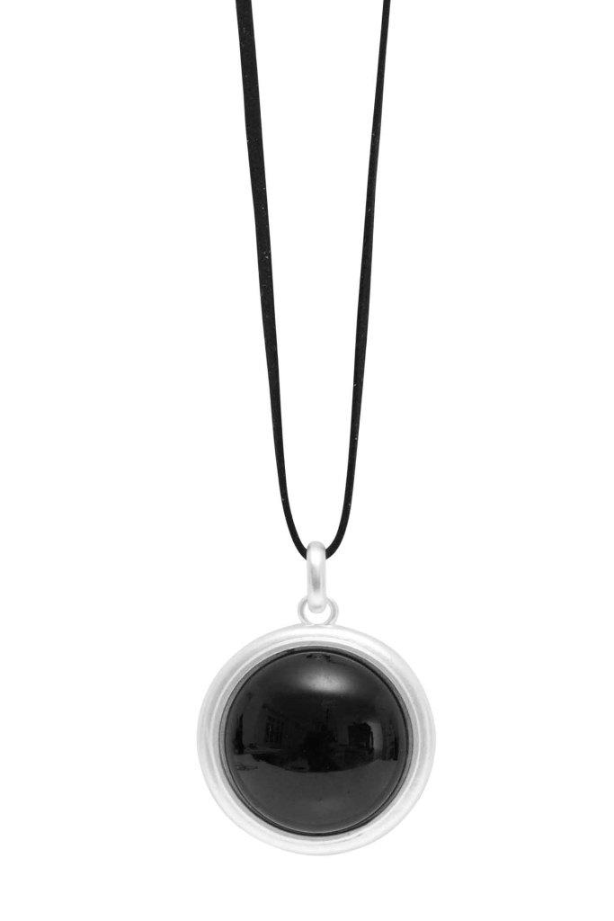 Колье(9C882)Бижутерия с искусственным обсидианом<br>Дания, Dansk Smykkekunst<br><br>Гипоаллергенный сплав, покрытый серебром; кожа<br>