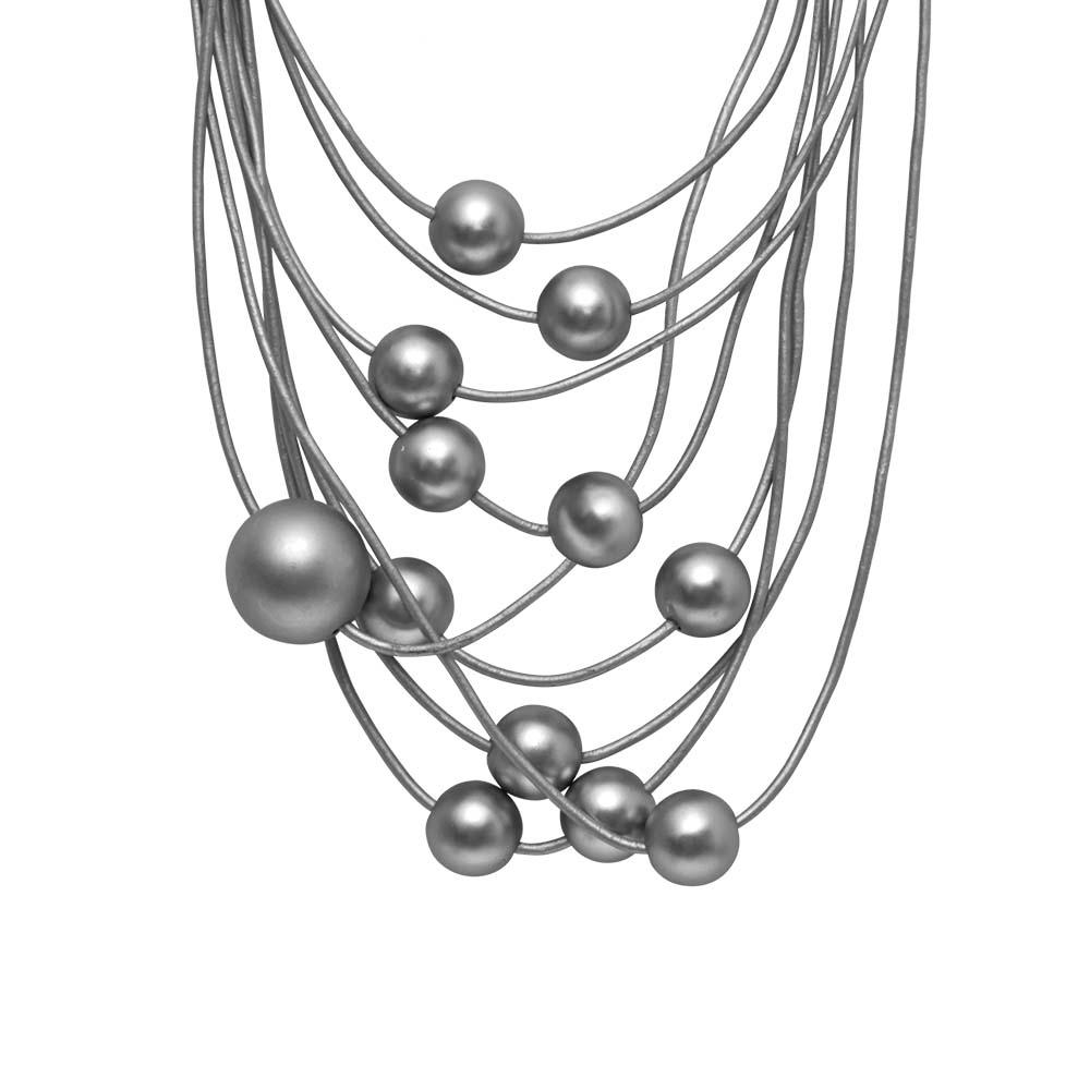 Колье(9C229)Sonya<br>Дания, Dansk Smykkekunst<br><br>Гипоаллергенный сплав, покрытый  серебром; кожа<br><br><br>Длина колье 45 см<br>