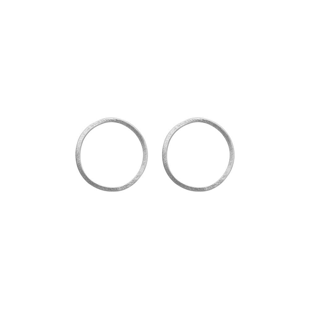 Серьги(3H938)Selina<br>Дания, Dansk Smykkekunst<br><br>Гипоаллергенный сплав, покрытый  серебром<br>Диаметр декоративного элемента 2,5 см<br>
