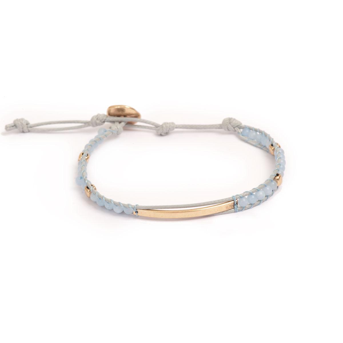Браслет с золотым покрытием и натуральными камнями(3018-0476)Summer vibes blue<br>Arts&amp;Crafts, Норвегия<br><br>Авторский дизайн, ручная работа, ограниченный выпуск.<br><br>Длина браслета 18 см<br>